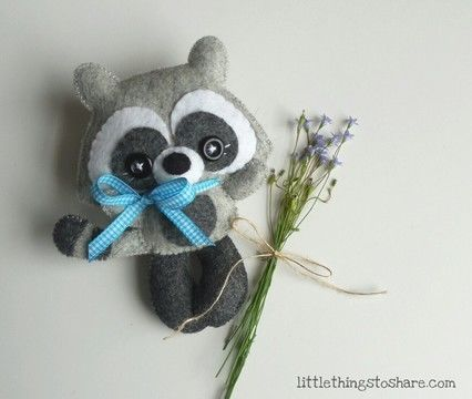 Download Stripes Raccoon PDF pattern-Woodland animals toy-DIY-Nursery decor-Baby's mobile toy-Cute raccoon toy-Kids present-Mapache - Sewing Patterns immediately at Makerist