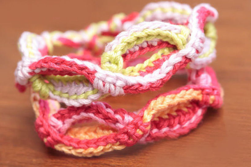 Download Crochet Cable Bracelet Pattern (#3) - Crochet Patterns immediately at Makerist