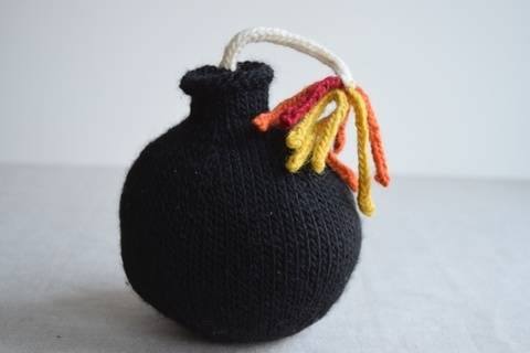 Download Bomb Knitting Pattern PDF immediately at Makerist