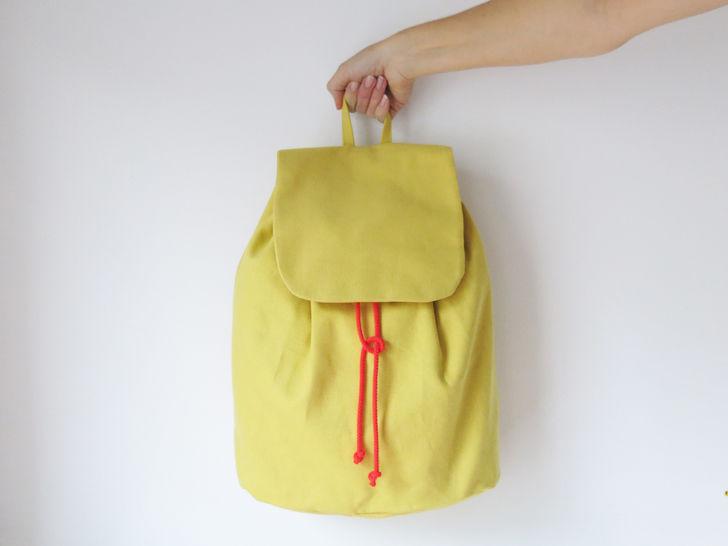 Minimalistischer Rucksack No. 3 mit Kordelzug und verstellbaren Träger - Nähanleitungen bei Makerist sofort runterladen