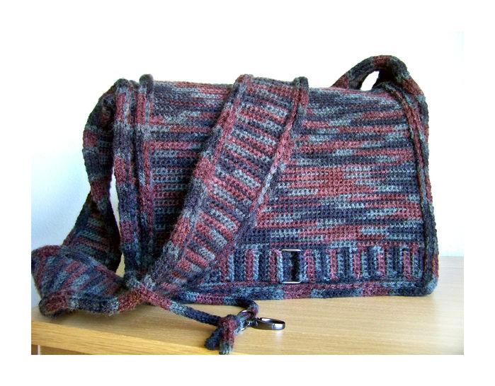 Download Crochet Bag, Messenger Bag, Laptop Bag - Crochet Patterns immediately at Makerist