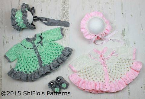 Download CP313 Honeycomb Baby Matinee Jacket, Hat & Shoes Baby Crochet Pattern #313 immediately at Makerist