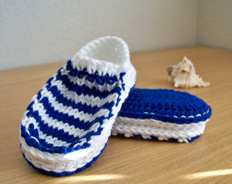 Download Baby Slippers, Baby Booties, Crochet Slippers, Knit Slippers - Crochet Patterns immediately at Makerist