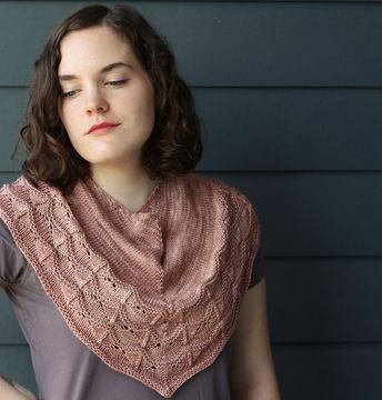 Download Hint of Autumn - Knitting Patterns immediately at Makerist