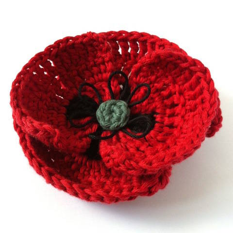 Download Poppy Crochet Pattern immediately at Makerist