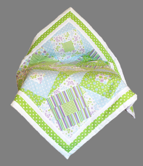 Download Baby quilt pdf pattern and tutorial - Wonky squares - Patchwork & Quilting immediately at Makerist