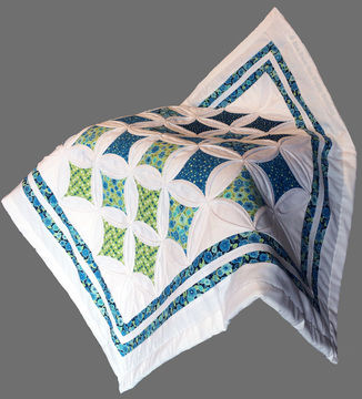 Download Baby quilt pdf pattern and tutorial - Cathedral windows - Patchwork & Quilting immediately at Makerist