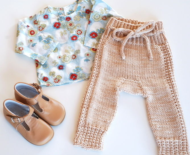 Download Little Leggings - knitting pattern - Knitting Patterns immediately at Makerist