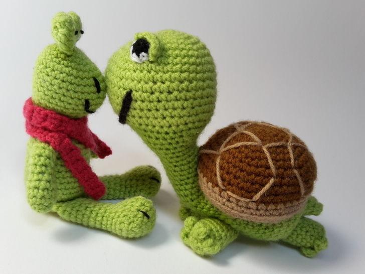 Schildkröte Lorchen mit Frosch Franzi – Häkelanleitung - Häkelanleitungen bei Makerist sofort runterladen