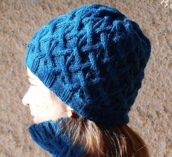 Download Plessis hat - Knitting Patterns immediately at Makerist