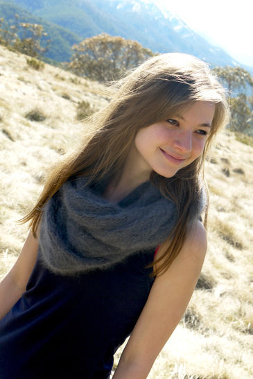 Lacy Snood (Infinity Scarf) – Reynolds Knitting (en) - Strickanleitungen bei Makerist sofort runterladen