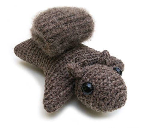 Hanna the Squirrel - amigurumi crochet pattern (en) bei Makerist sofort runterladen