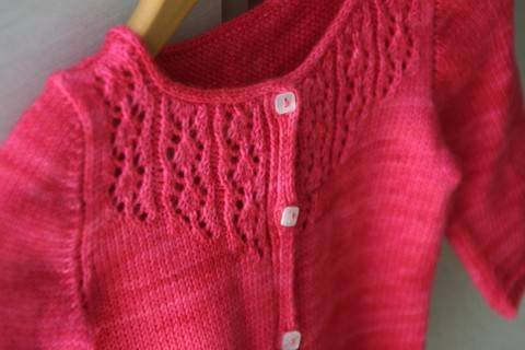 Download Little Trellis Child Cardigan Knitting Pattern immediately at Makerist
