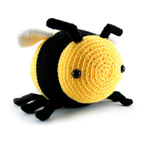 Bobby the Bumble bee - amigurumi crochet pattern (en) bei Makerist sofort runterladen