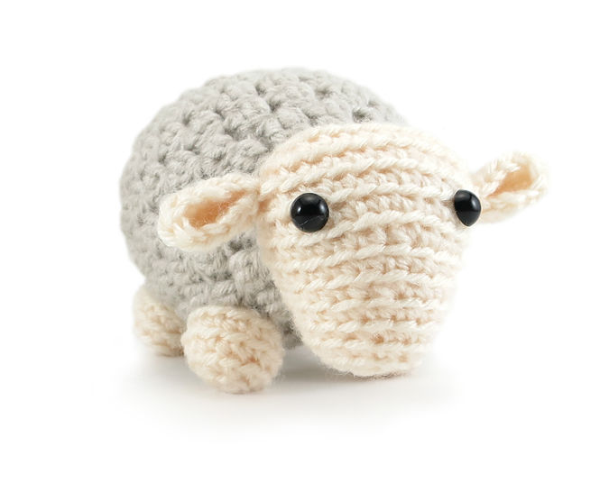 Andy the Sheep - amigurumi crochet pattern (en) - Häkelanleitungen bei Makerist sofort runterladen