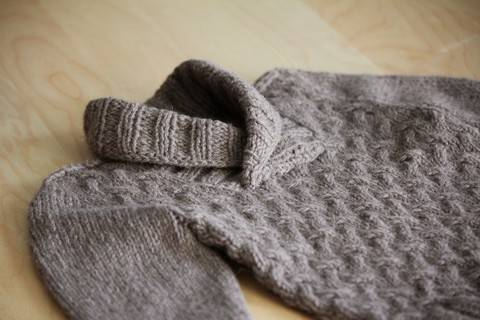 Download Gaston Child Sweater Knitting Pattern immediately at Makerist