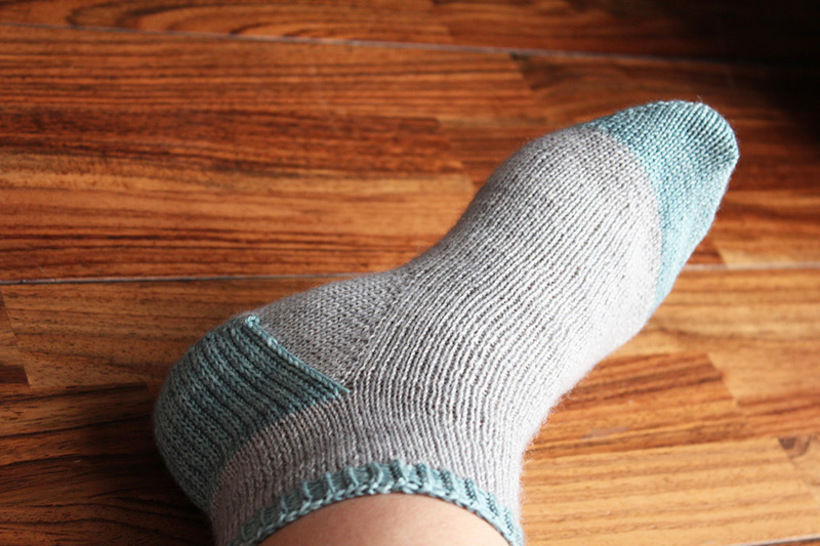 Download Suzette - Pattern and tutorial for knitting your first socks - Knitting Patterns immediately at Makerist