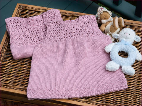 Aelwen Baby Dress  - Knitting Pattern - Instant download (en) bei Makerist sofort runterladen