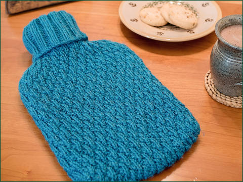 Joules and Joulietta Hot Water Bottle Covers - Knitting Pattern - Instant download (en) bei Makerist sofort runterladen