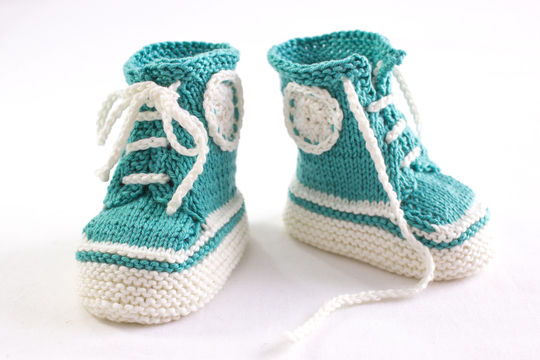 Sneaker Booties Pattern - Baby Trainers - Knitting Pattern (en) - Strickanleitungen bei Makerist sofort runterladen