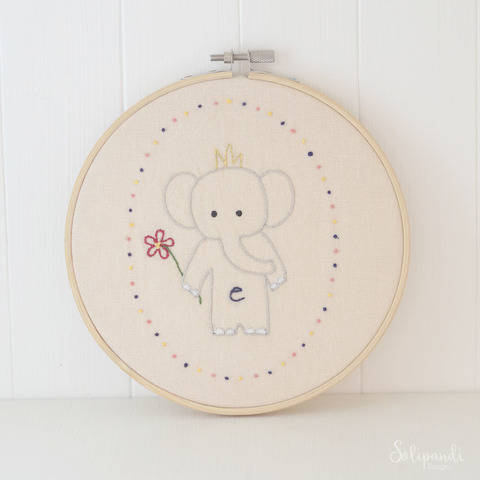 Little Elephant, hand embroidery PDF pattern & instructions (en) bei Makerist sofort runterladen