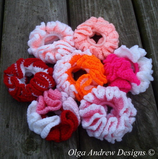 Download Ruffle scrunchie (plain/ripple border) crochet pattern 001 - Crochet Patterns immediately at Makerist