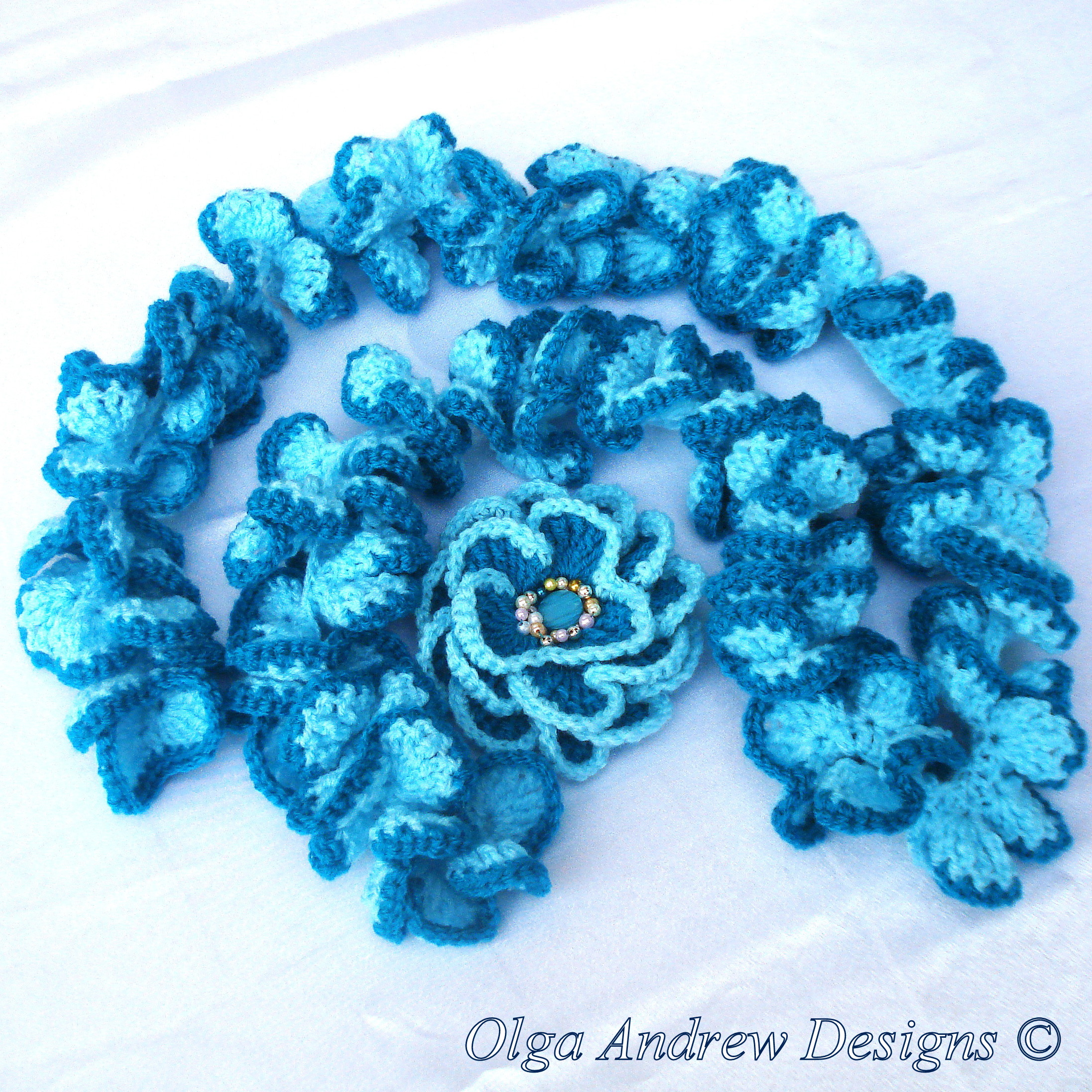 Ruffle Scarf And Brooch Camomile Crochet Pattern 029