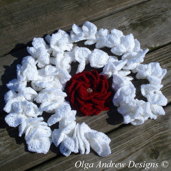 Download Ruffle scarf and brooch Dahlia crochet pattern 030 - Crochet Patterns immediately at Makerist