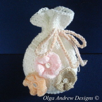 Download Gift bag with appliques crochet pattern 007 - Crochet Patterns immediately at Makerist