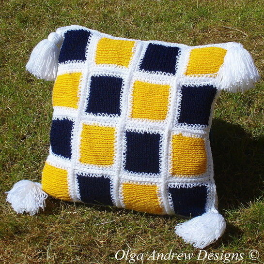 Download Patchwork cushion knit/crochet pattern 006 - Crochet Patterns immediately at Makerist