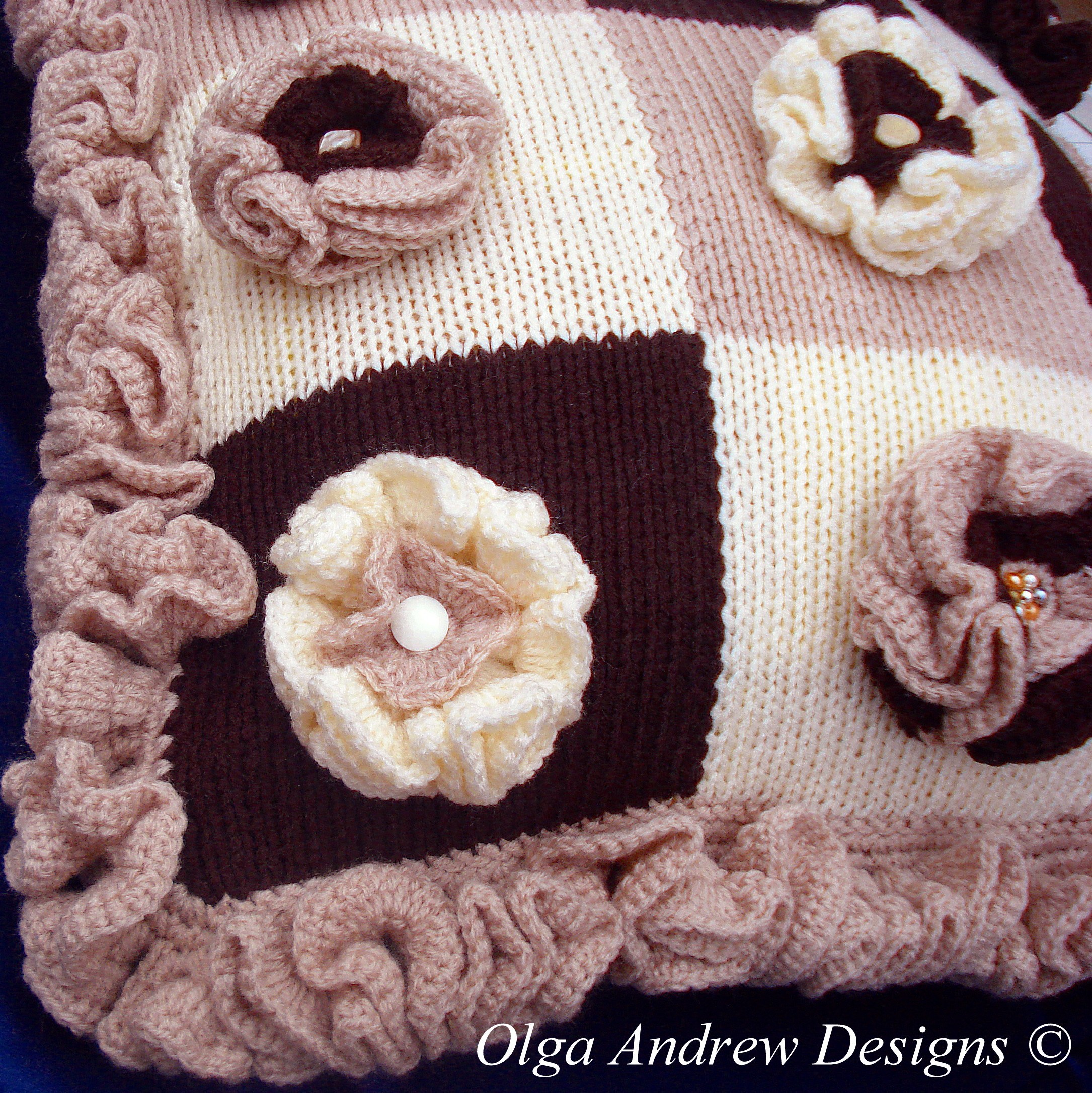 Patchwork Cushion With Flower Appliques Knitcrochet Pattern 012