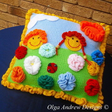 Download Sunny cushion with appliques knit/crochet pattern 015 - Knitting Patterns immediately at Makerist