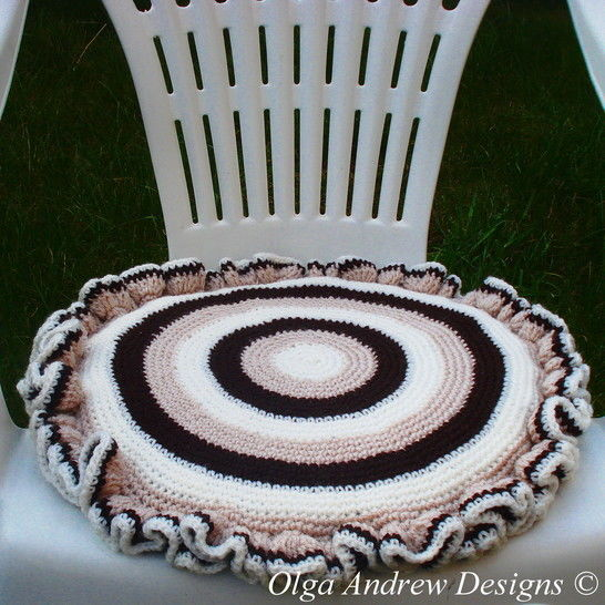 Download Chair seat cushion crochet pattern 044 - Crochet Patterns immediately at Makerist