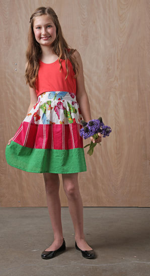 Download Mia Dress pdf Sewing Pattern for Girls (Knit & Woven) - Sewing Patterns immediately at Makerist