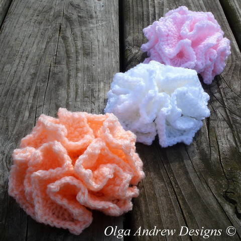 Download Ruffle flower crochet pattern 003 immediately at Makerist