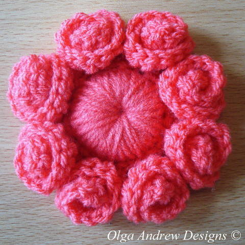Download Eight petal flower crochet pattern 060 immediately at Makerist