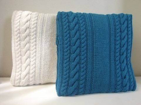 Download Cable cushion cover 40 x 40 cm / 15.75 x 15.75 - knitting pattern immediately at Makerist