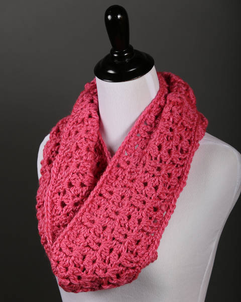 Download Ashley Cowl immediately at Makerist
