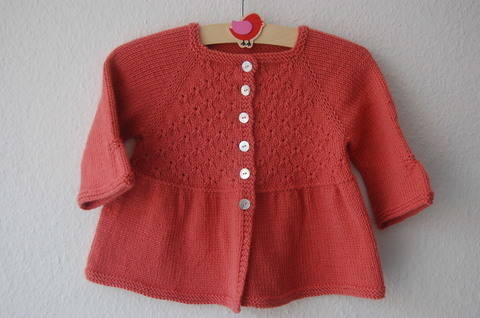 Alouette girl lace cardigan - knitting pattern (en) bei Makerist sofort runterladen