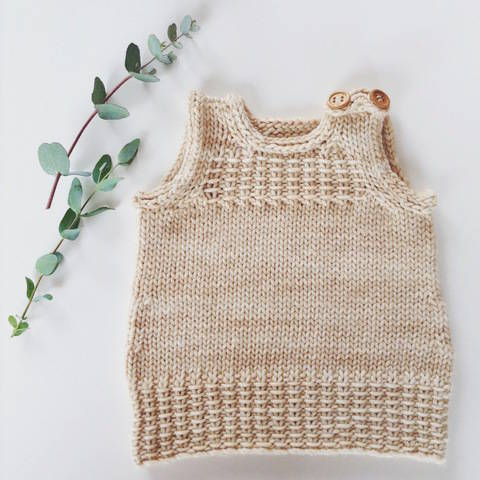 Little Vest or Dress - knitting pattern (en) bei Makerist sofort runterladen