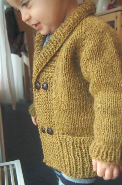 Storytime Scholar shawl collar chunky cardigan - knitting pattern (en) bei Makerist sofort runterladen
