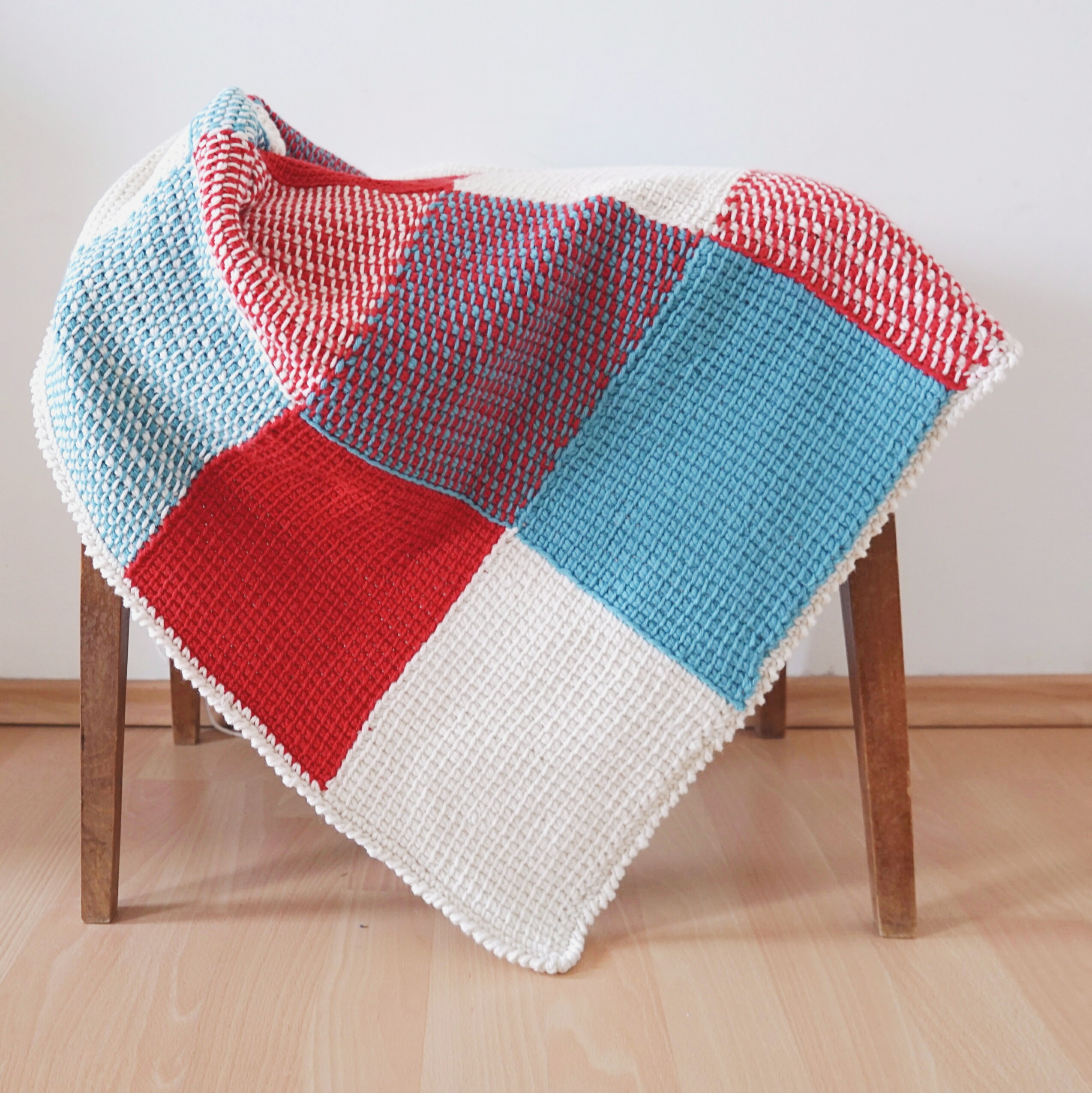 h kelanleitung patchwork babydecke tunesisch h keln. Black Bedroom Furniture Sets. Home Design Ideas