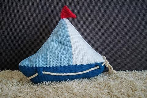 Download Crochet Pattern Sail Boat Pillow - HANKIDS immediately at Makerist