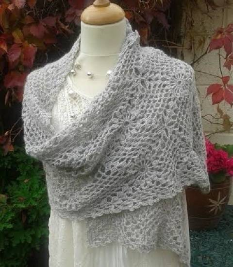 Download Alpaca Crochet Wrap Pattern immediately at Makerist