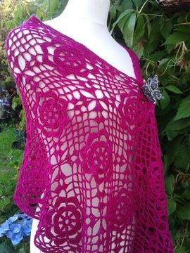 Download Lacy Flower Crochet Wrap - Crochet Patterns immediately at Makerist