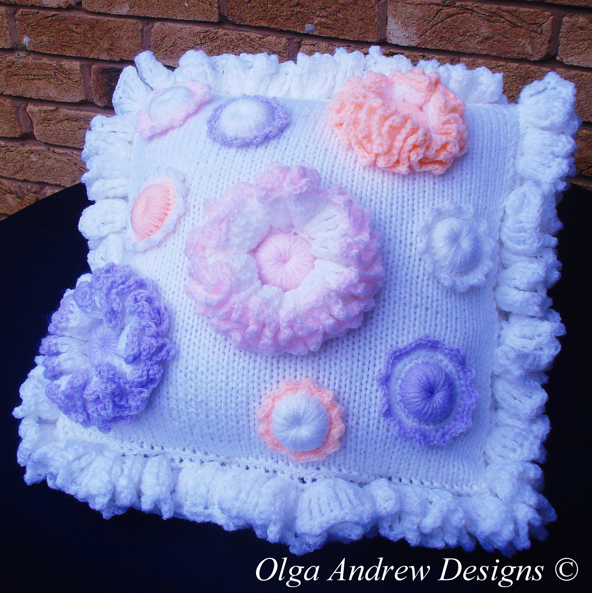 Cushion With Flower Appliques Knitcrochet Pattern 048