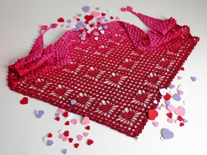 Download Crochet pattern triangular shawl Be My Valentine - Crochet Patterns immediately at Makerist