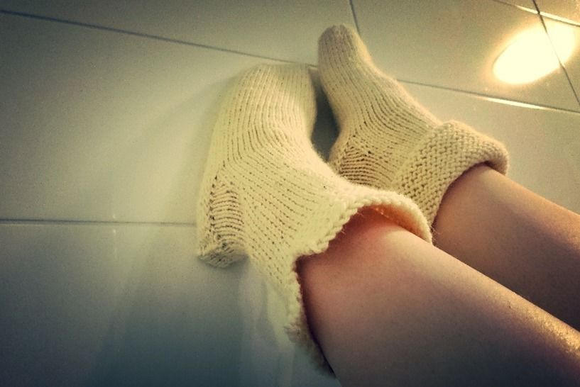 Download Slippers knitting pattern tutorial - Knitting Patterns immediately at Makerist