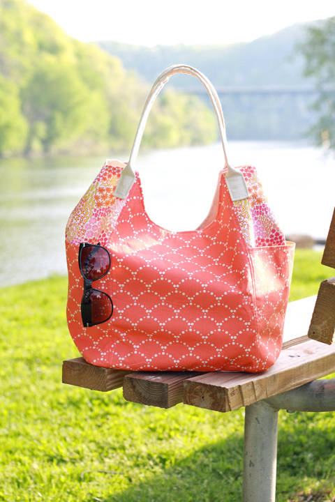 Download Vacation Tote Sewing Pattern immediately at Makerist