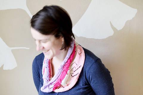 Linked spring Schlauchschal bei Makerist sofort runterladen
